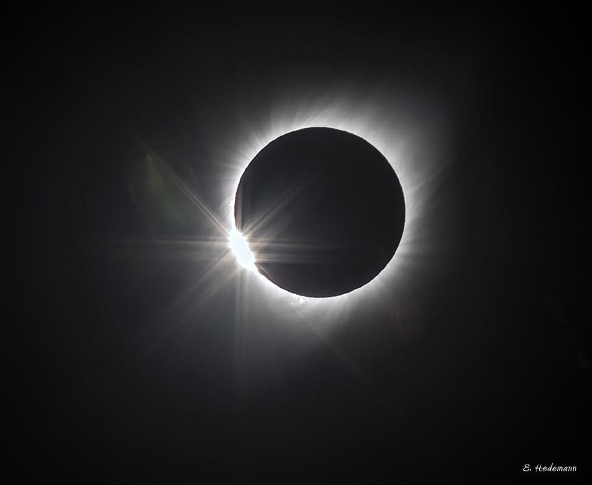 the diamond ring effect at the end of totality